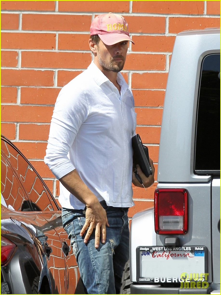 josh duhamel embraces new meaning of dilf 122949506