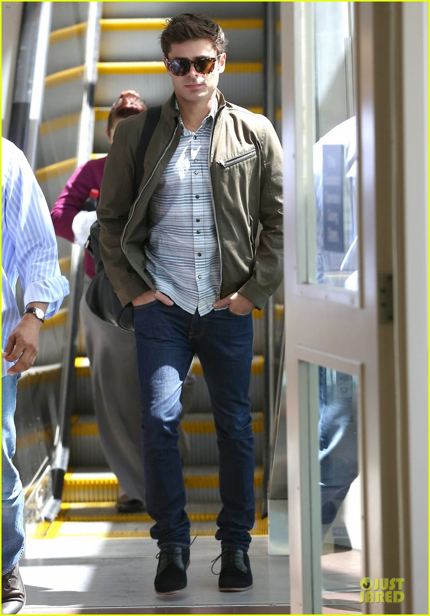 zac efron tom welling lax arrival after toronto film festival 072946134