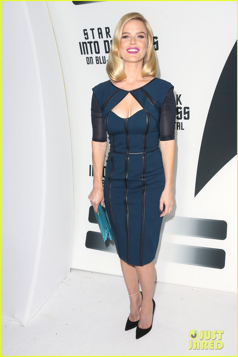 alice eve emile hirsch star trek into darkness dvd release party 132950091