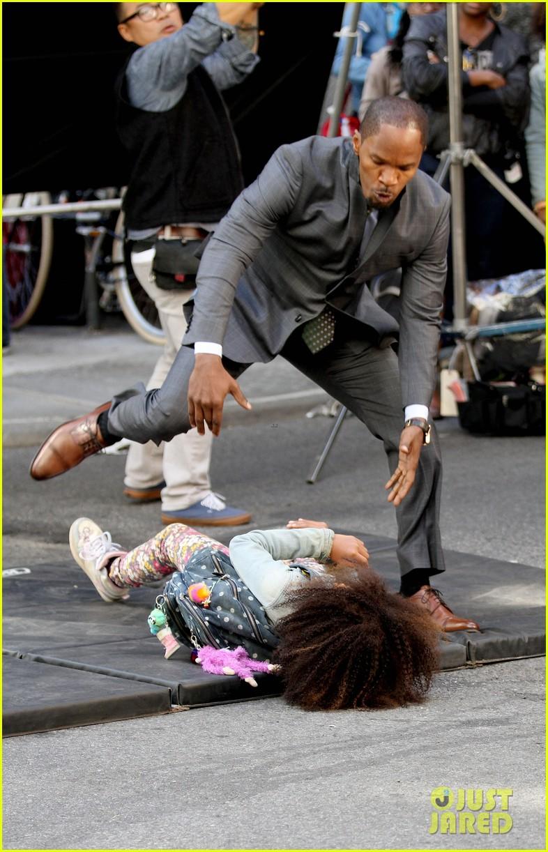 quvenzhane wallis jamie foxx film annie in new york 032960217
