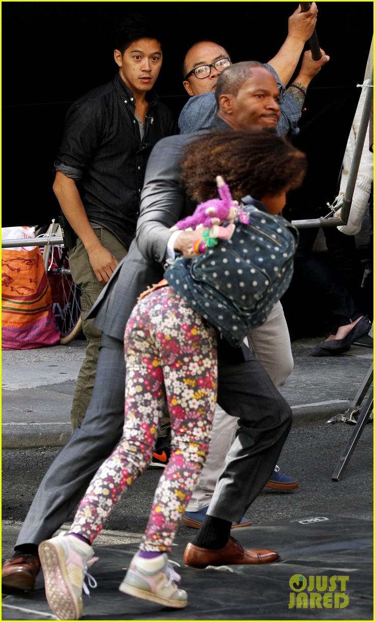 quvenzhane wallis jamie foxx film annie in new york 06