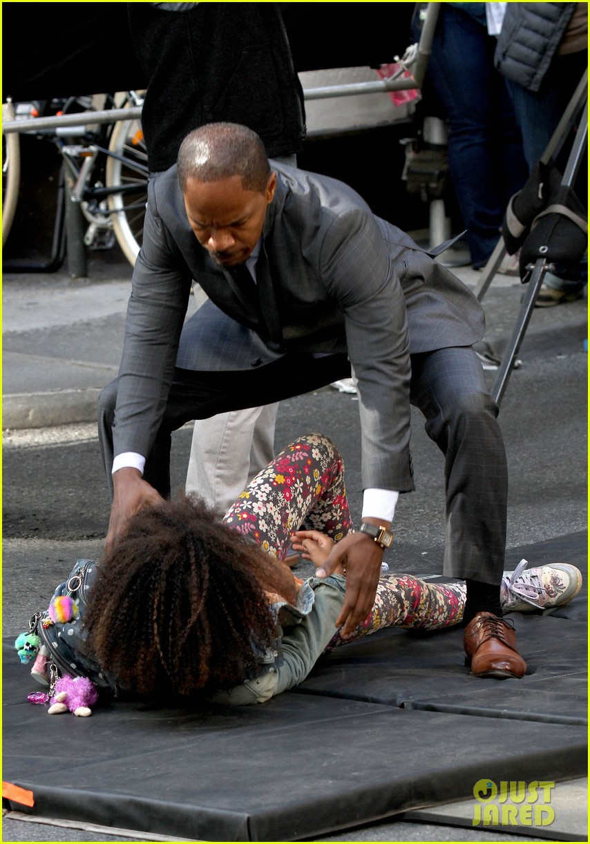 quvenzhane wallis jamie foxx film annie in new york 152960229