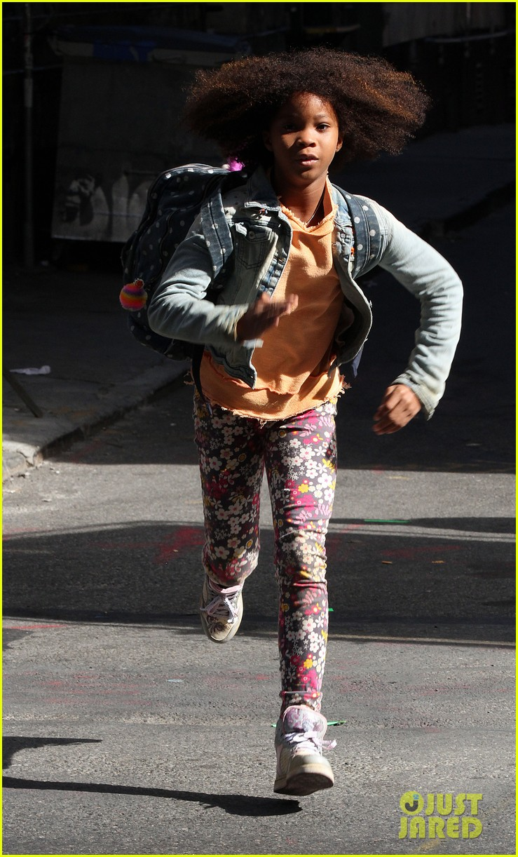 quvenzhane wallis jamie foxx film annie in new york 21