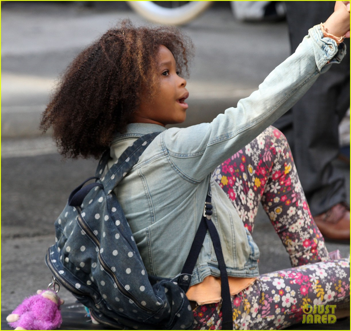 quvenzhane wallis jamie foxx film annie in new york 27