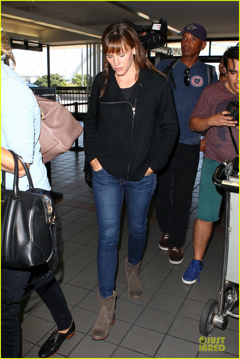 jennifer garner matthew mcconaughey fly out to tiff 06
