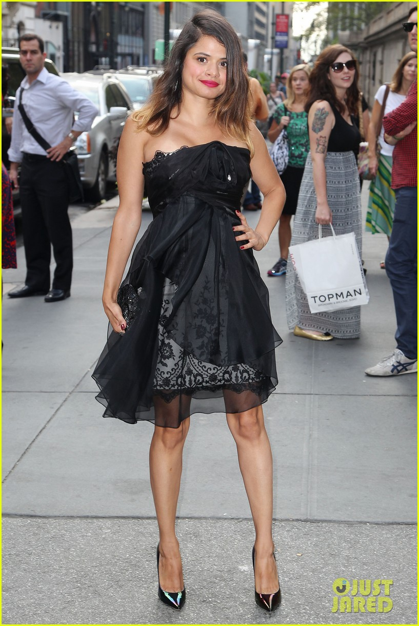ashley greene jamie campbell bower new york fashion week 092950649