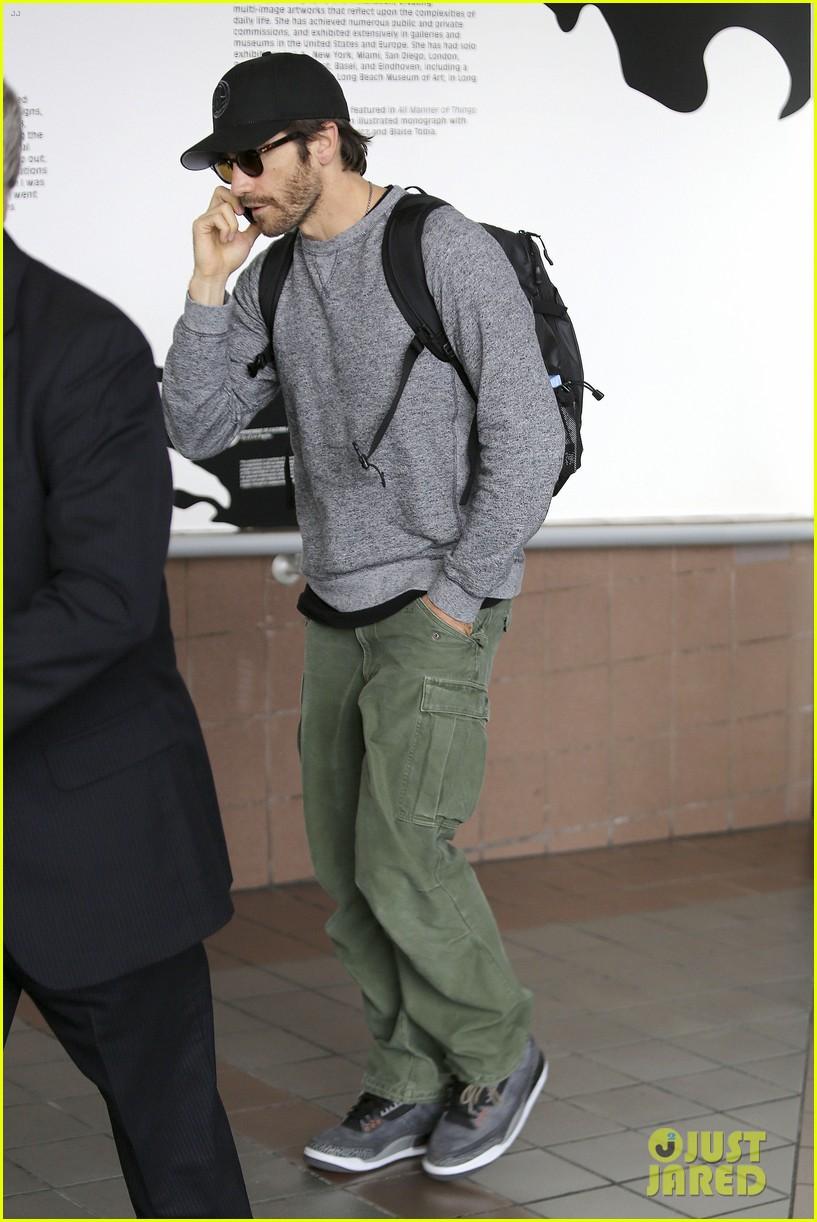 jake gyllenhaal james franco land in los angeles after tiff 192948344