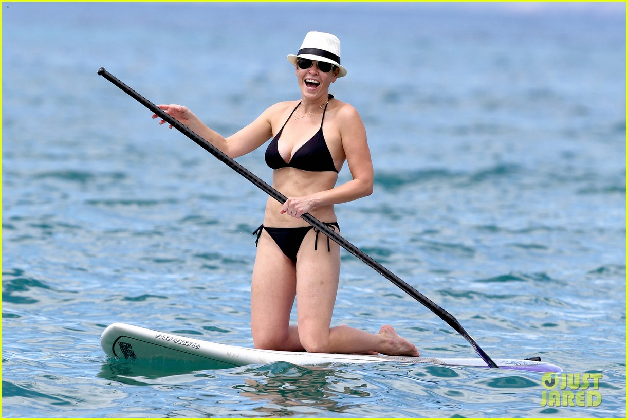 chelsea handler bares bikini beach body in hawaii 072961684