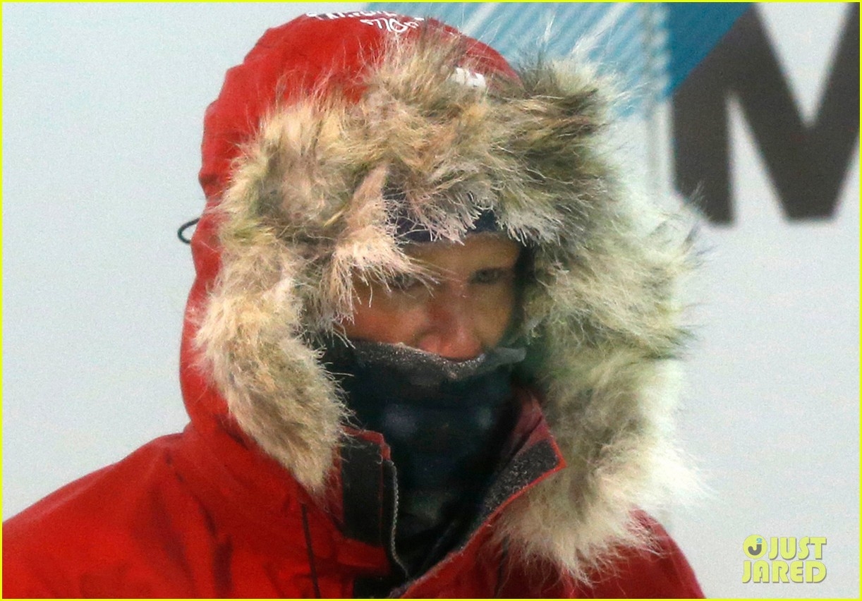 prince harry preps for south pole trip by freezing himself 09