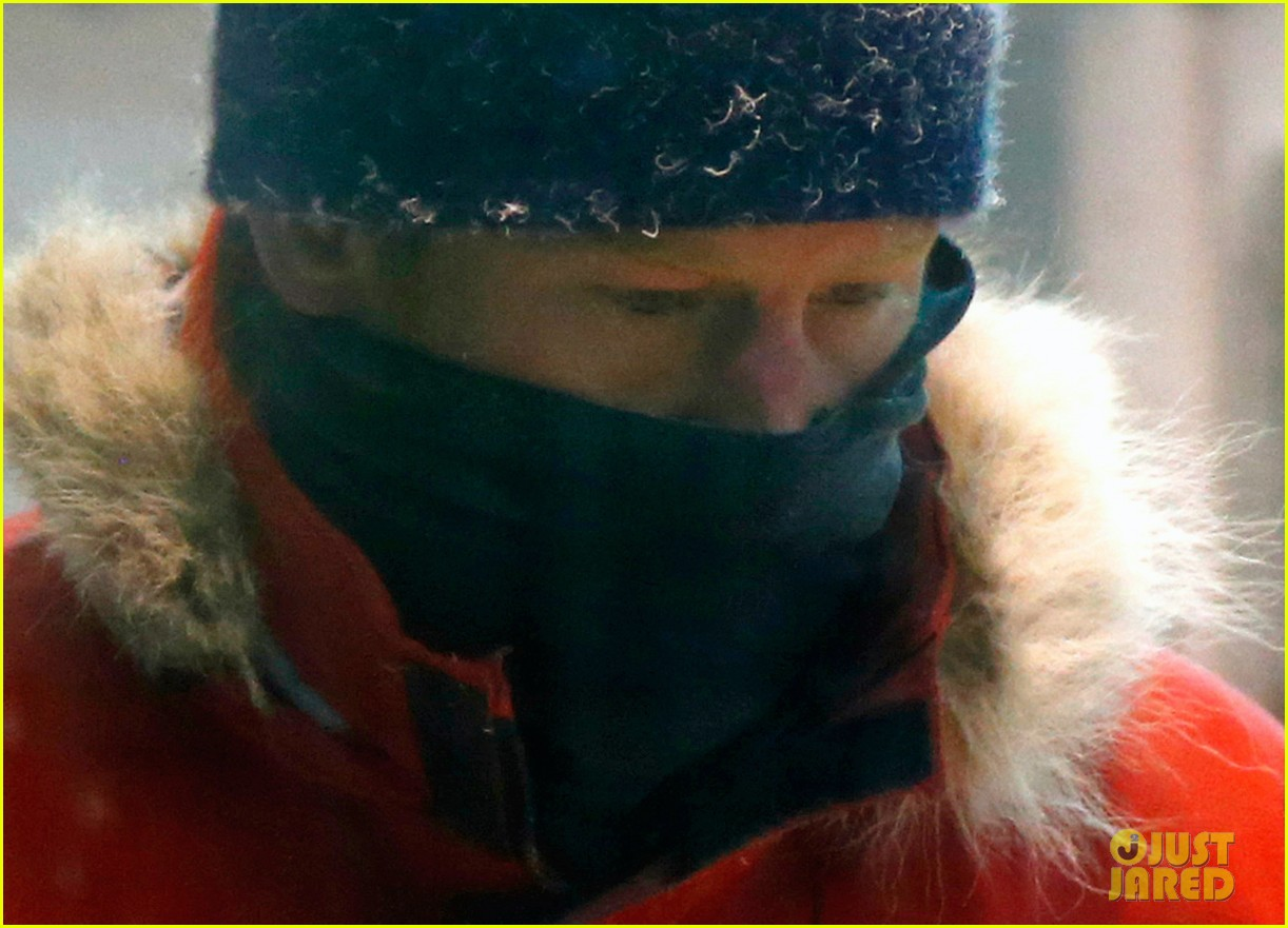 prince harry preps for south pole trip by freezing himself 10