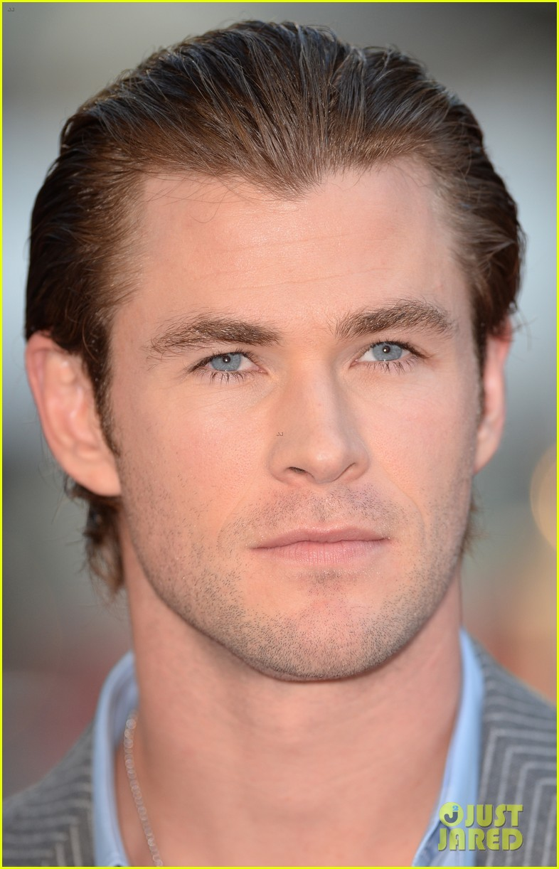 liam hemsworth supports brother chris at rush premiere 05
