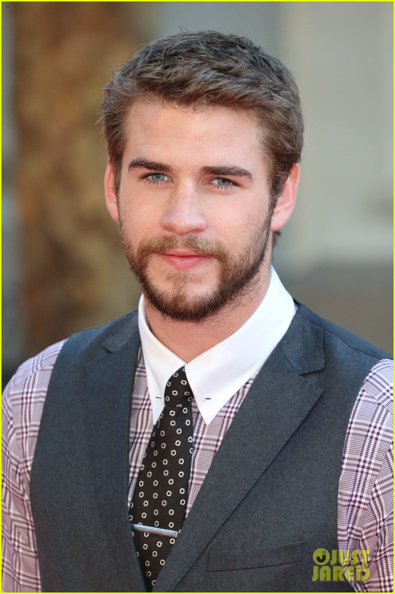 liam hemsworth supports brother chris at rush premiere 20
