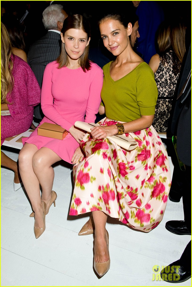 katie holmes michael kors fashion show with kate mara 102950078