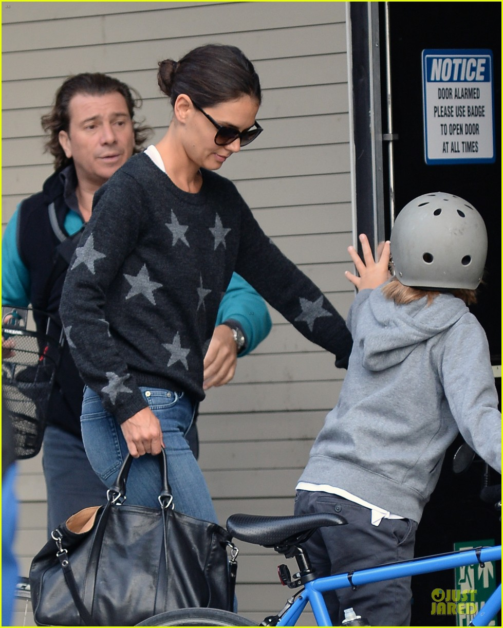 katie holmes wears two outfits to wrap up week 062961200