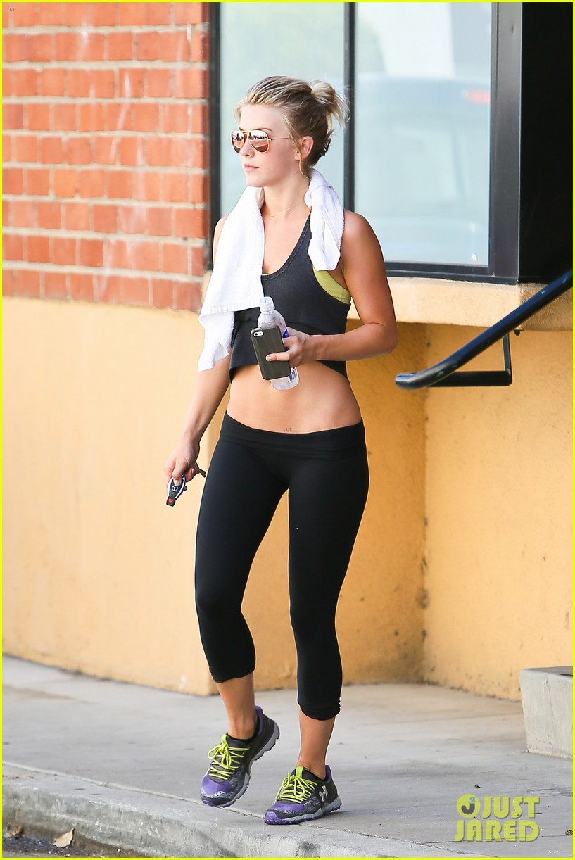julianne hough motivates fans step outside of the box today 15