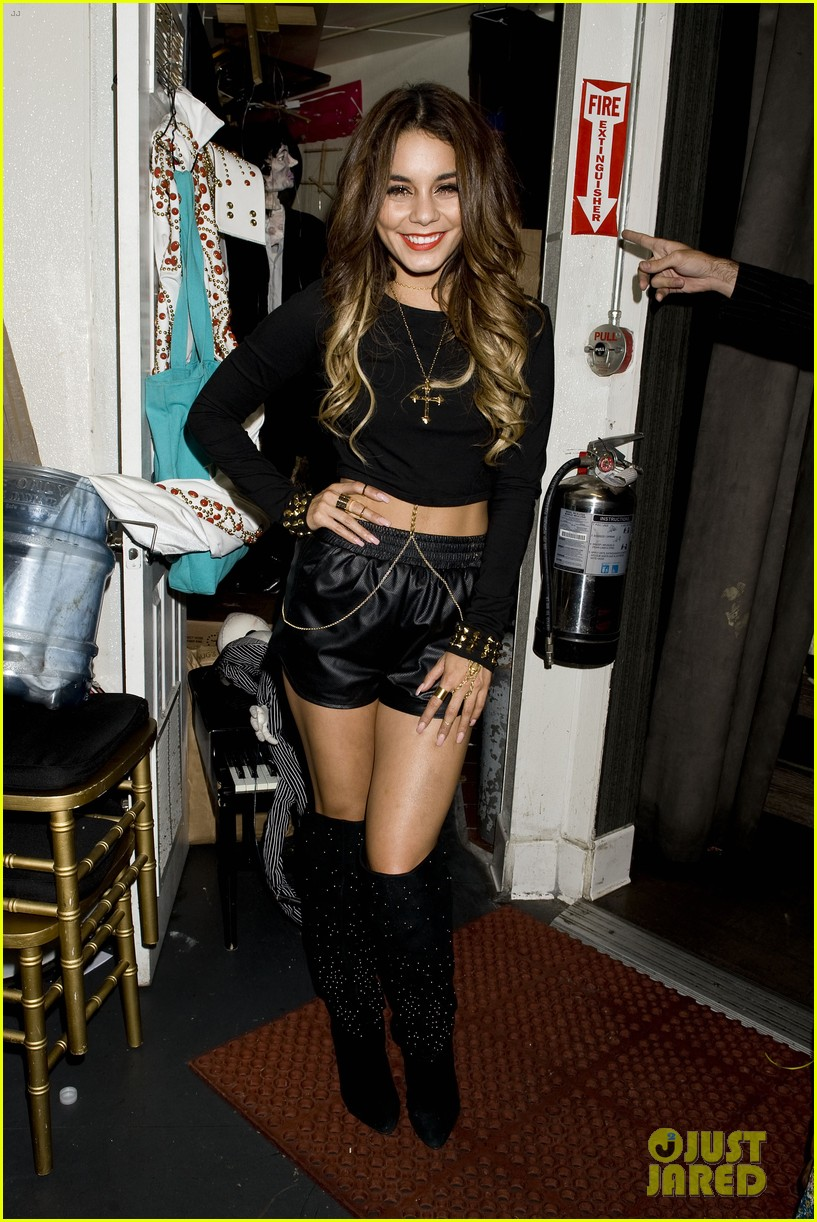 vanessa hudgens bootsy bellows performance with yla 06