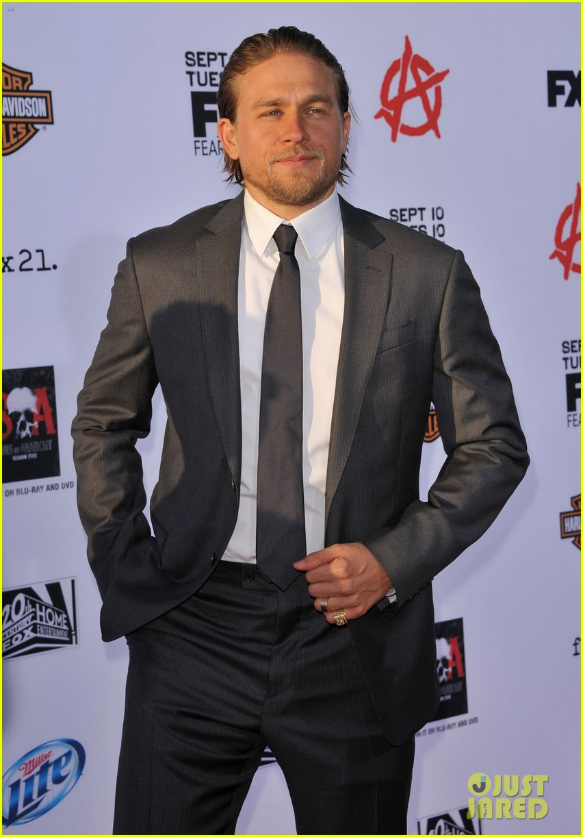 charlie hunnam talks fifty shades of grey for first time 06