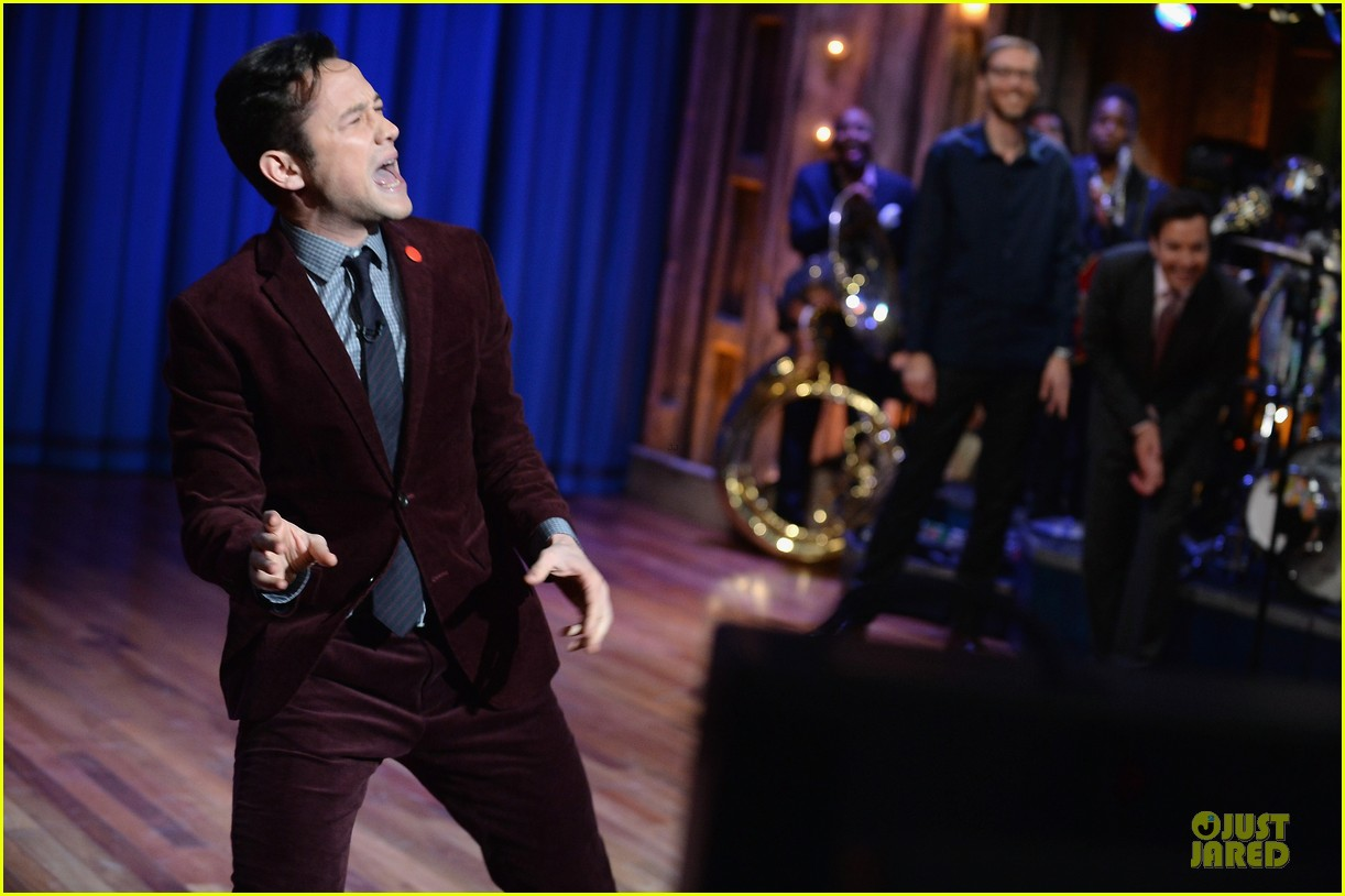 joseph gordon levitt lip synching contest on fallon 08