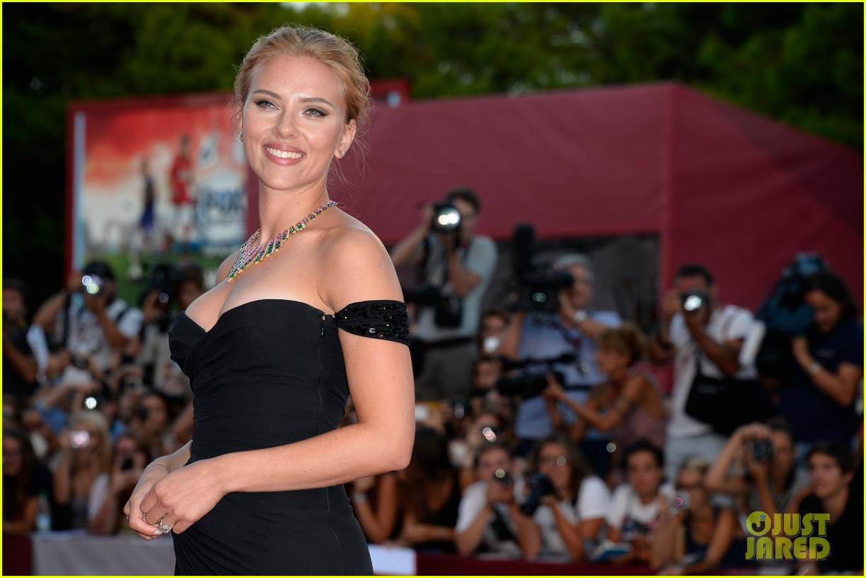 scarlett johansson under the skin venice premiere 112942979