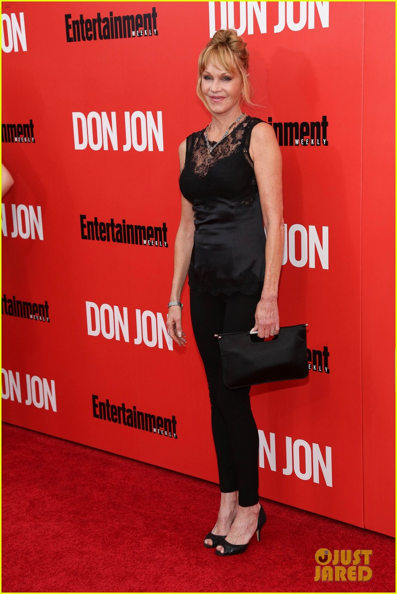 dakota johnson don jon premiere with mom melanie griffith 032951041