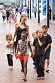 angelina jolie kids visit the sydney aquarium 15