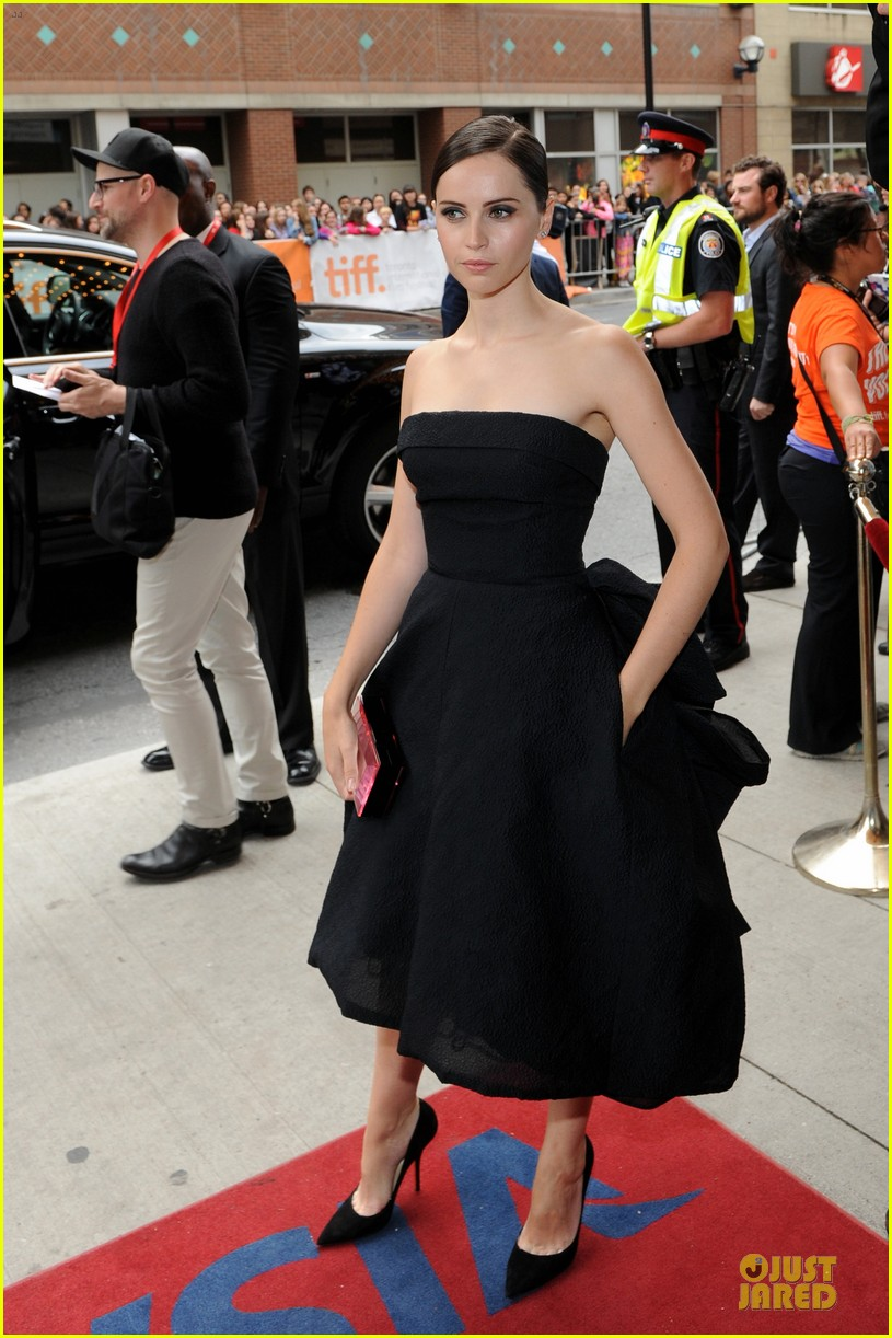 felicity jones ralph fiennes invisible woman tiff premiere 202948605