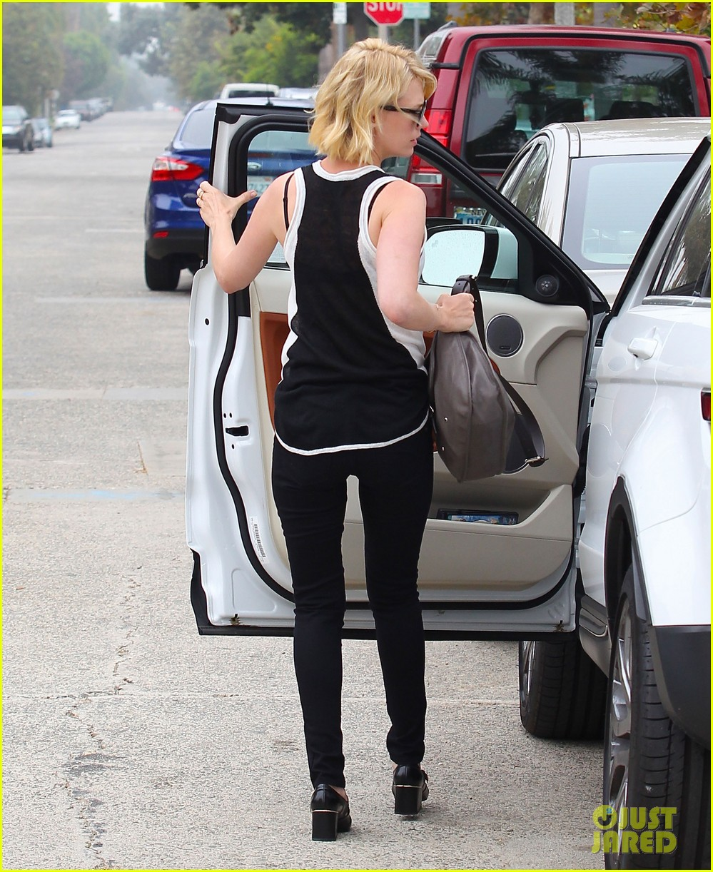 january jones hangs with xander after untrue liam hemsworth rumors 052954579