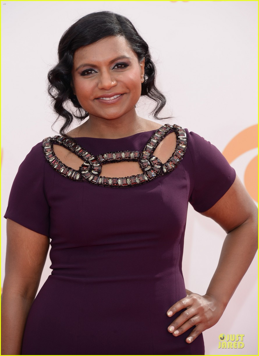 mindy kaling emmys 2013 red carpet 04