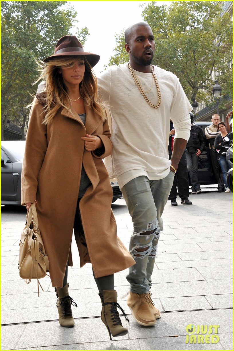 kim kardashian kanye west step out together in paris 22