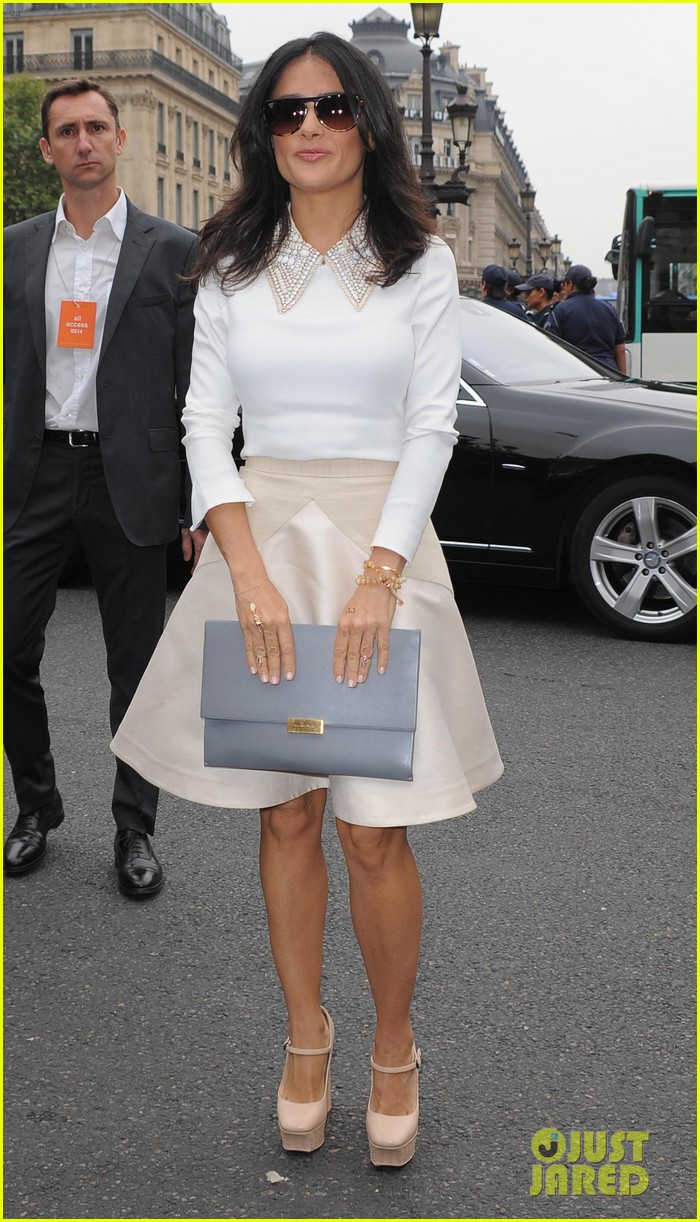 miranda kerr cara delevingne stella mccartney fashion show 18