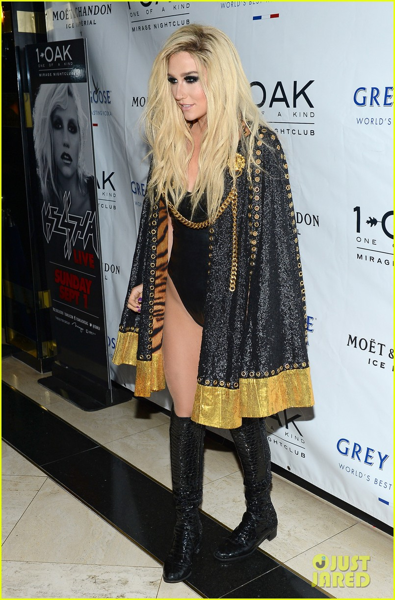 kesha 1 oak nightclub performance in vegas 142942333