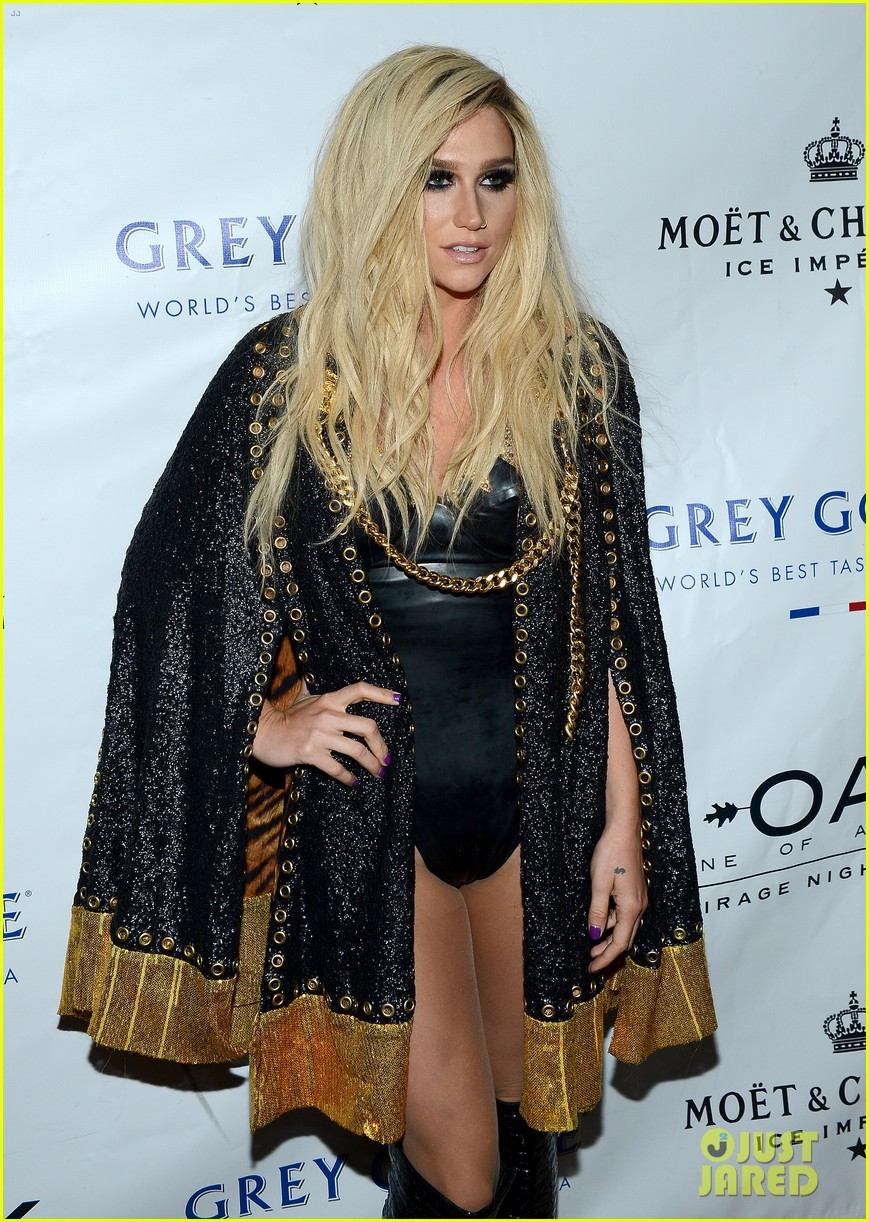 kesha 1 oak nightclub performance in vegas 16