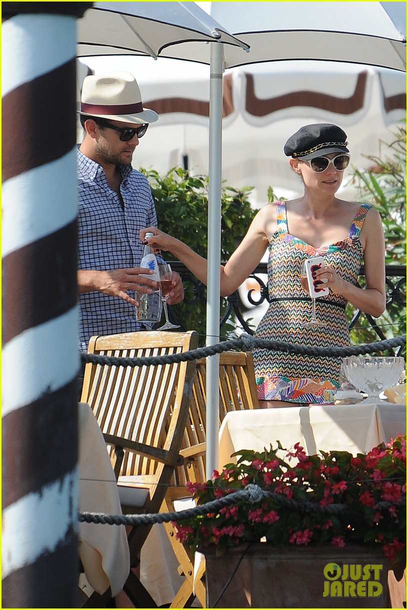 diane kruger joshua jackson enjoy lunch date in venice 242942950
