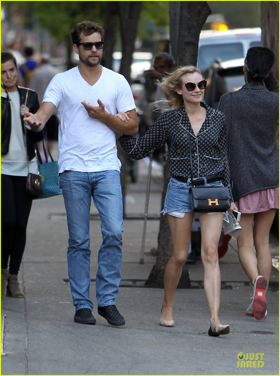 diane kruger joshua jackson hook arms for nyc stroll 06