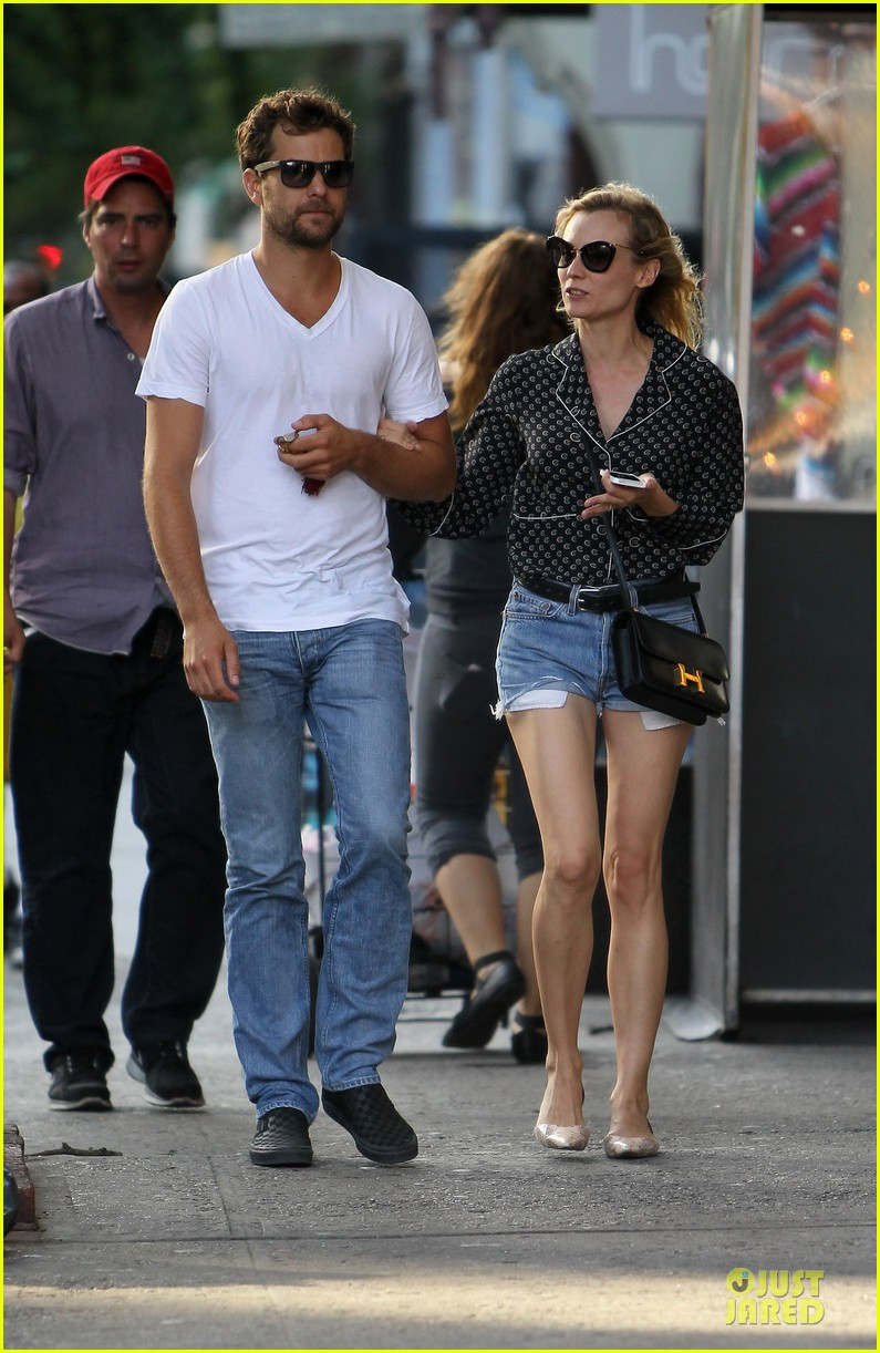 diane kruger joshua jackson hook arms for nyc stroll 08