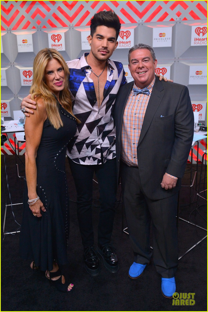 adam lambert iheartradio music festival with queen 012956574