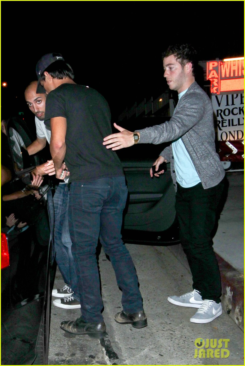taylor lautner patrick schwarzenegger go partying together 102947939