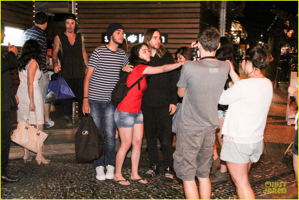 jared leto stops for fan photo op at sushi leblon restaurant 032951596