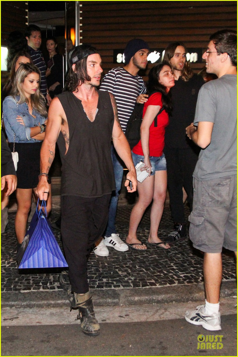 jared leto stops for fan photo op at sushi leblon restaurant 182951611