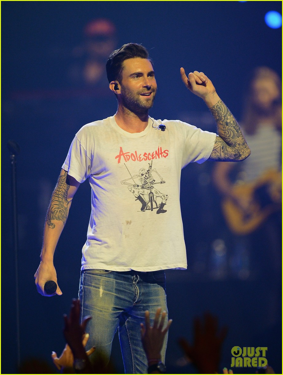 adam levine jared leto iheartradio performances 112957309