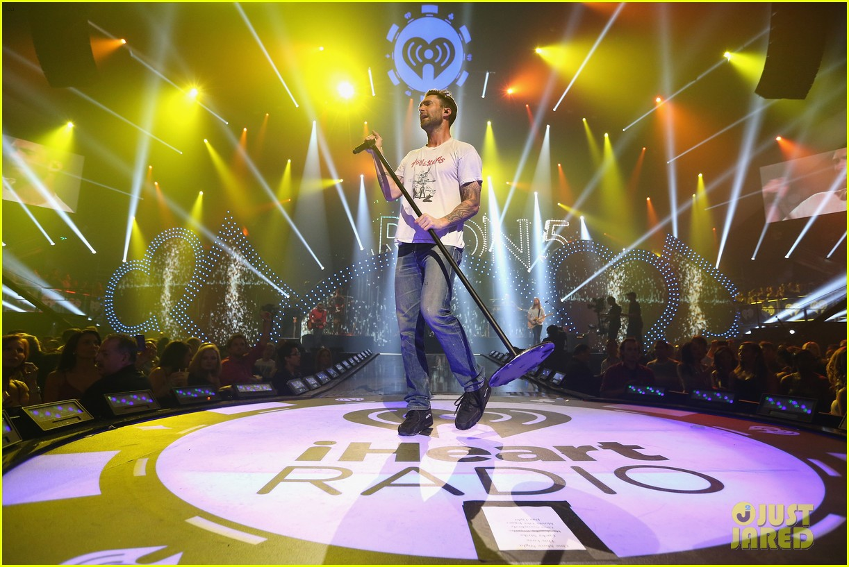 adam levine jared leto iheartradio performances 24