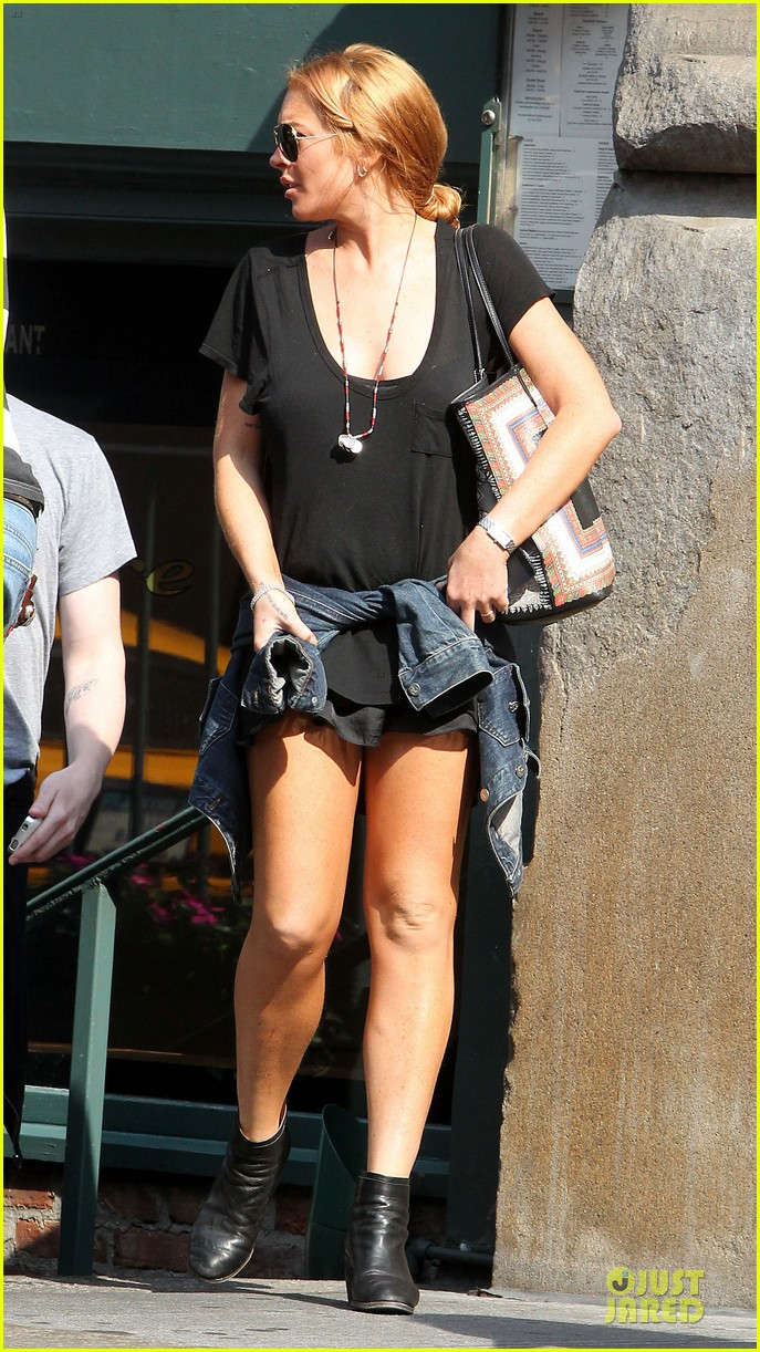 lindsay lohan leggy lure lunch 062949582