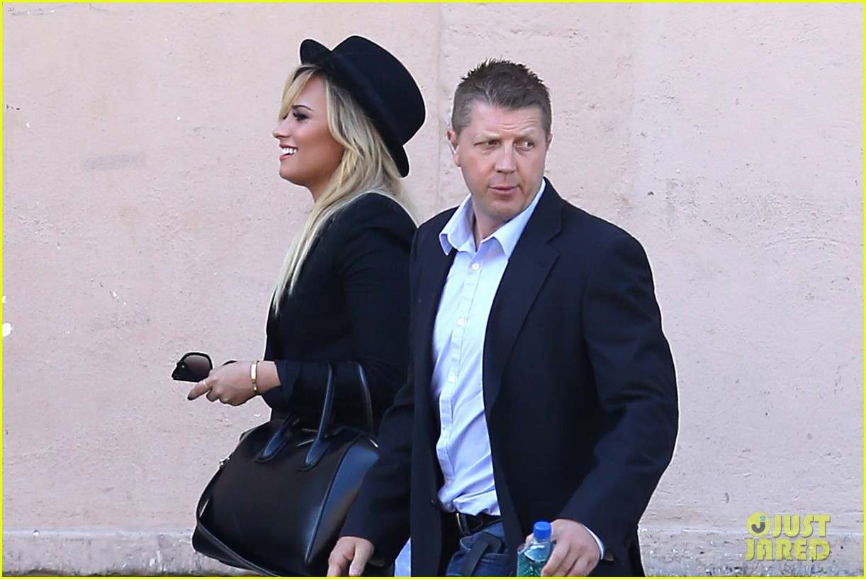 demi lovato x factor weekend taping with paulina rubio 042948151