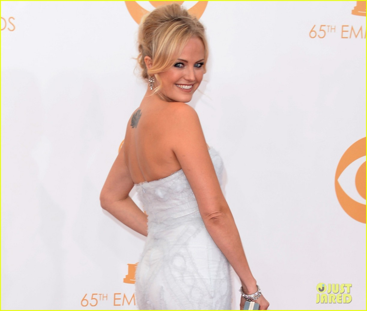 malin akerman emmys 2013 red carpet 03