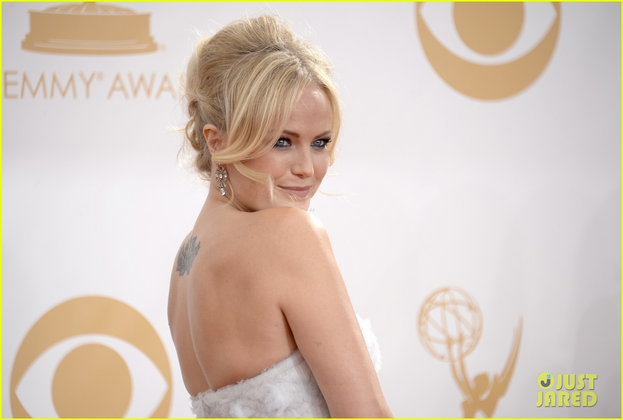 malin akerman emmys 2013 red carpet 04