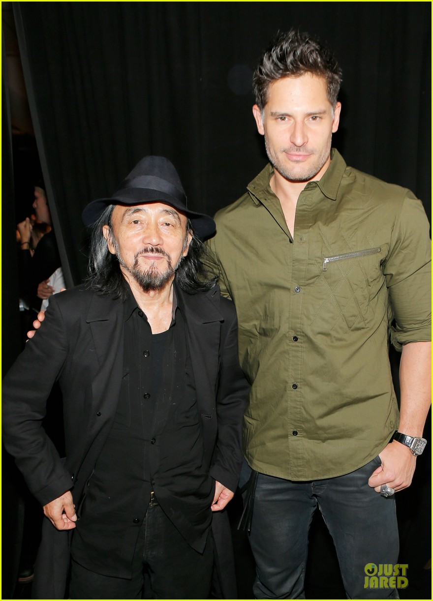 joe manganiello y 3 fashion show 02