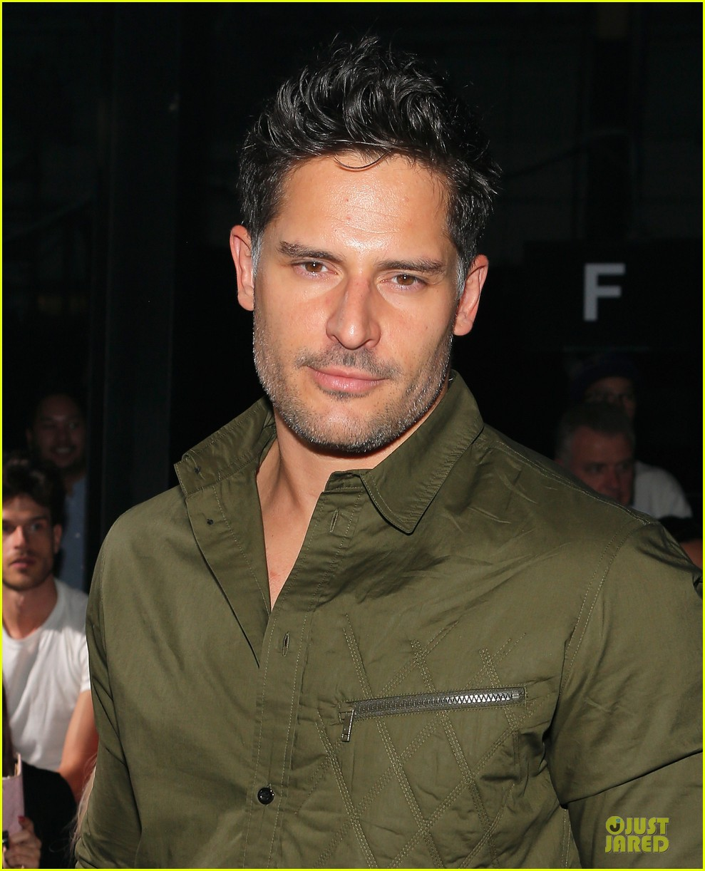 joe manganiello y 3 fashion show 072947815
