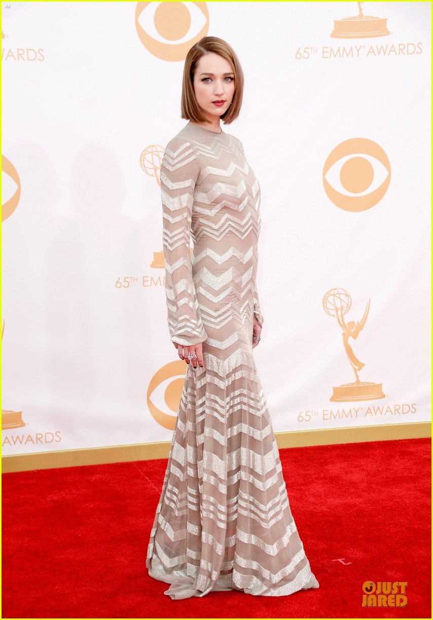 kate mara kristen connolly emmys 2013 red carpet 04