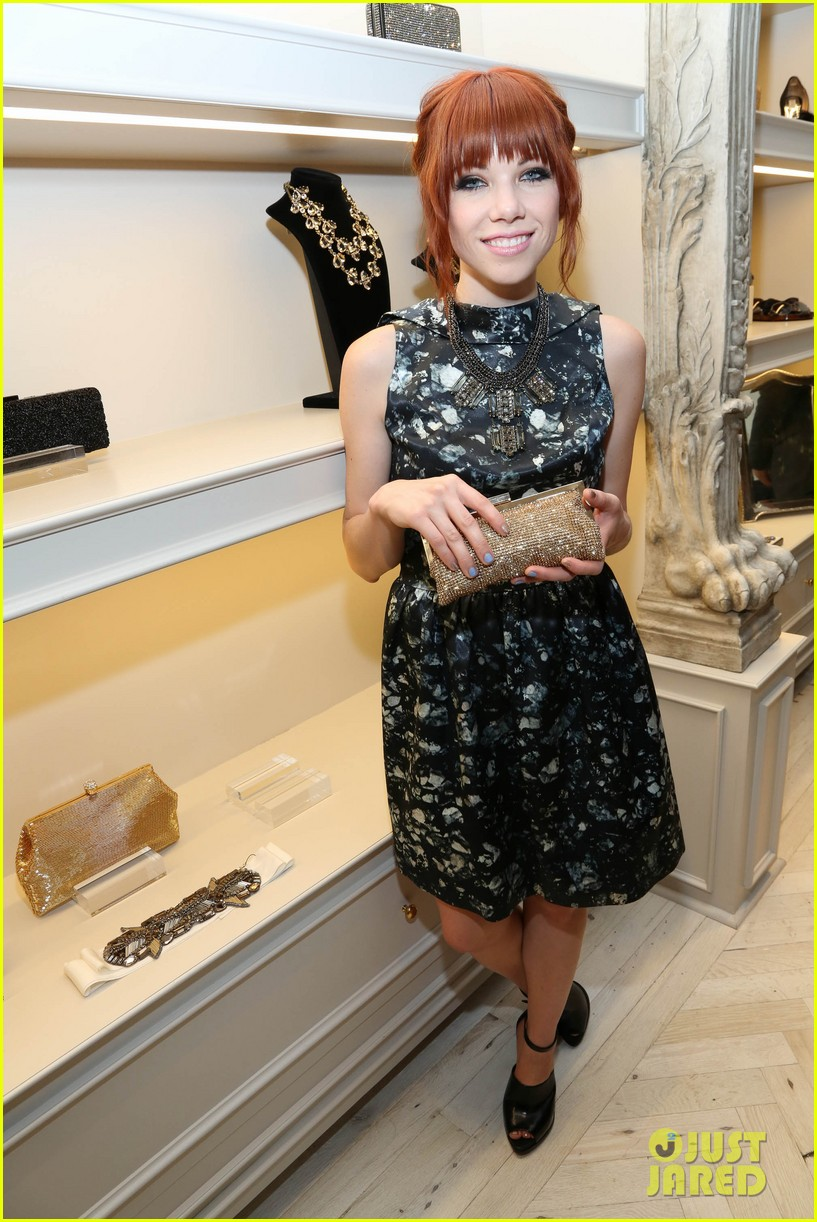 kate mara carly rae jepsen badgley mischka store opening 01