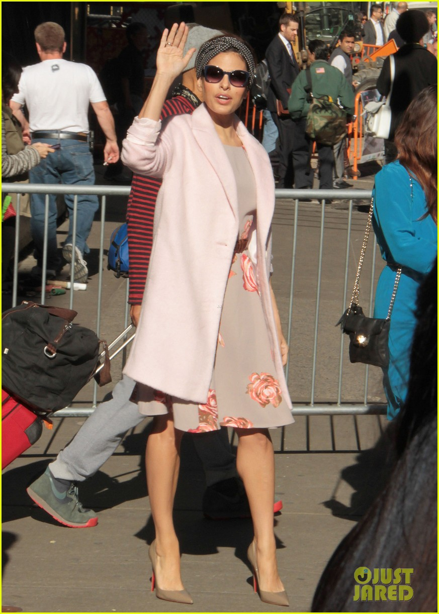 eva mendes promotes fashion line on gma 082955326